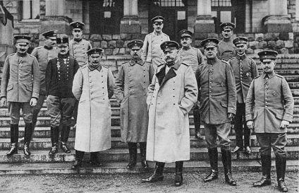800px-Paul_von_Hindenburg_pre-1915