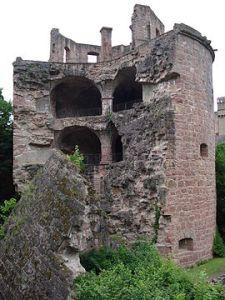 270px-Tour_rompue_château_d'Heidelberg