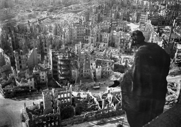 1945-02-Dresden