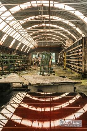 symetrie-reflet-hangar-atelier-maintenance-pieces-industrielles-usine-safea