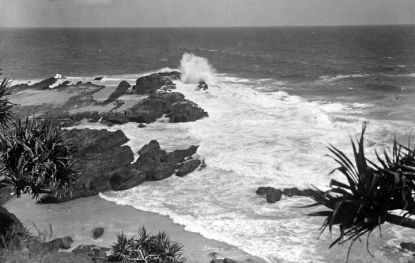 Queensland_State_Archives_2070_Snapper_Rocks_Coolangatta_c_1934