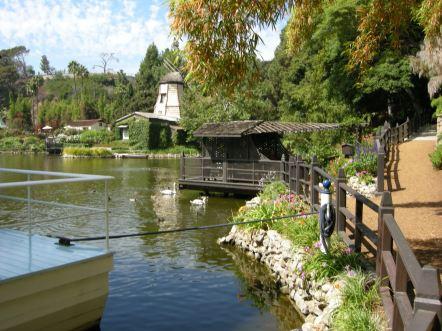 Lake_shrine,_LA,_10