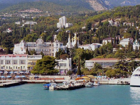 a-481_Arrivee_Yalta_05