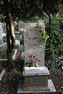 Grave_of_Antonio_Gramsci_(MG_2928)