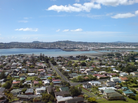 View_Over_Southern_Auckland,_A_Fine_Day