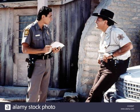 canyon-cop-dark-wind-lou-diamond-phillips-gary-farmer-auch-sheriff-D1K5X7