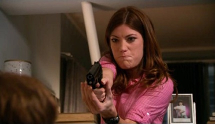 dexter_season_2_deb_pulls_gun_on_dexter