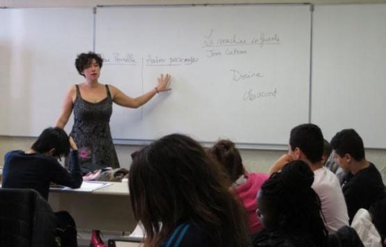 648x415_reportage-classe-mathilde-levesque-enseignante-lettres-lycee-aulnay-sous-bois-seine-saint-denis