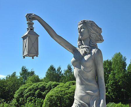 Skulptura_Begushaja_po_volnam_2