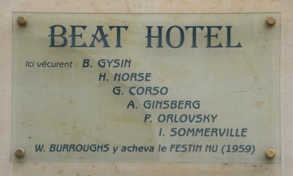 Beat_Hotel_plaque_-_9_rue_Gît-le-Coeur,_Paris_6