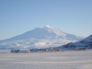 mount-erebus-volcano5