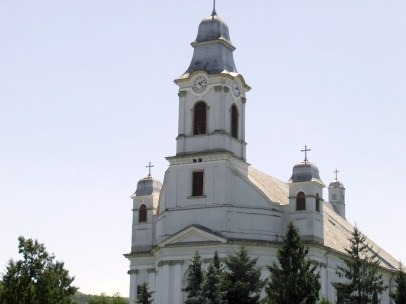 Gherla_Armenian-Catholic_cathedral-1