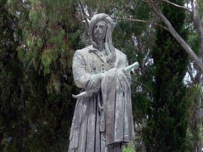 george-gordon-byron-statue-missolonghi-greece-fingalo-wikimedia-commons