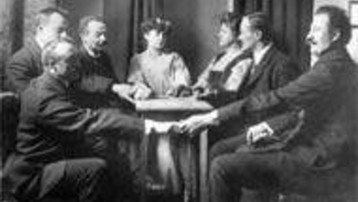 seance-spiritisme-table-tournante-medium-1900-afp-367370_1378