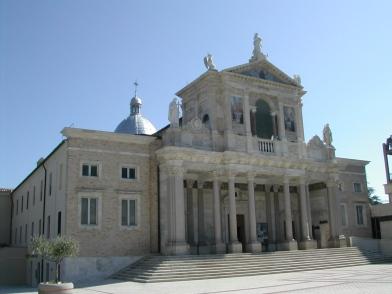 Santuario_San_Gabriele_dell'Addolorata_Abruzzo_03