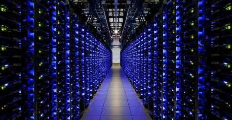 84d7e42b71_112895_rack-serveur-stockage-google-ferme-cloud-disque-dur-ssd