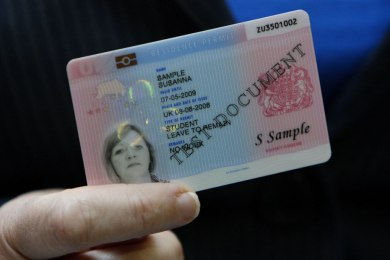 La-carte-d-identite-va-devenir-biometrique