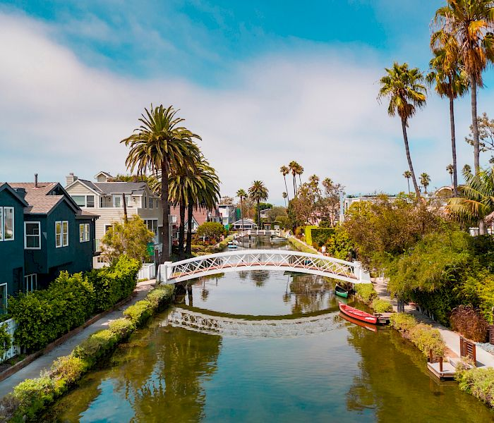 hpotel_near_venice_canals.700x600