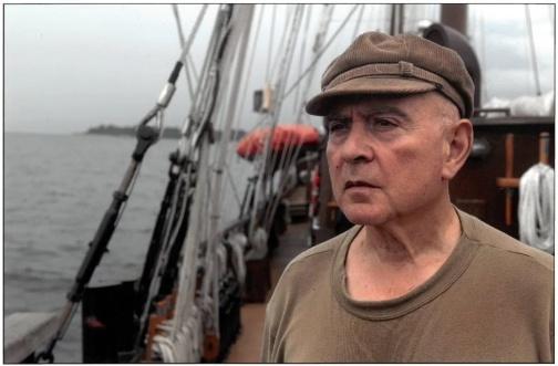 Gérard-Chaliand-navire-«-La-Boudeuse-»-©Eric-Feferberg-e1556026096350